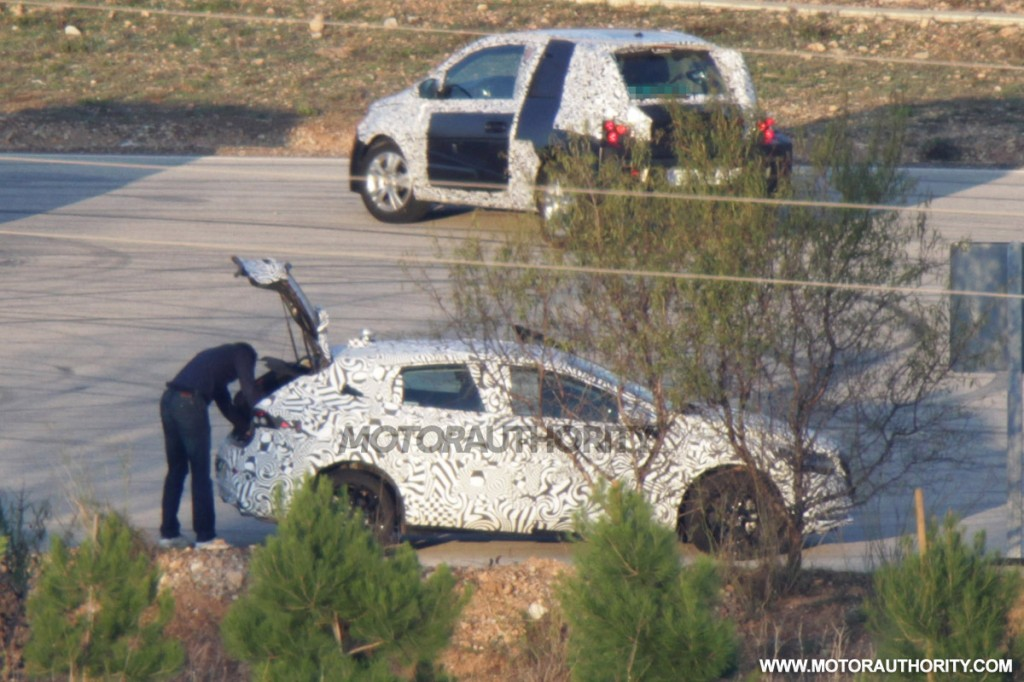image appeared in the following articles: 2013 Volvo V40 Spy Shots