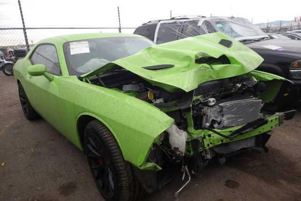 1971 Dodge Challenger Project Car For Sale >> First Wrecked 2015 Dodge Challenger SRT Hellcat Going Up ...