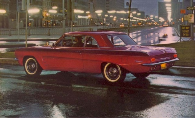 http://images.thecarconnection.com/med/1962-pontiac-tempest_100386115_m.jpg