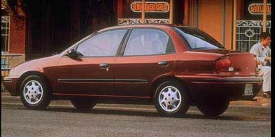 new and used geo metro prices photos reviews specs the car connection. Black Bedroom Furniture Sets. Home Design Ideas