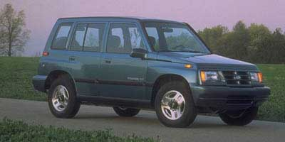 new and used geo tracker prices photos reviews specs the car connection. Black Bedroom Furniture Sets. Home Design Ideas