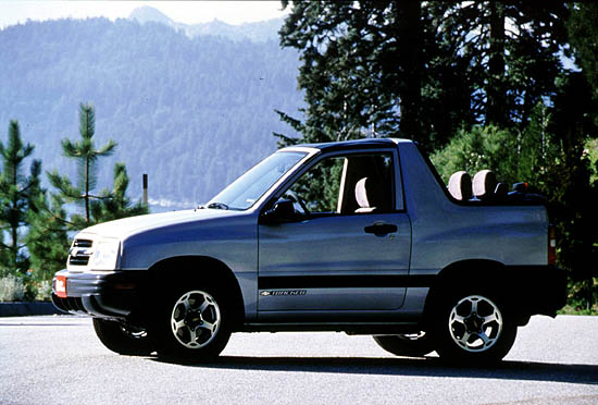 2002 Chevrolet Tracker  Chevy  Pictures  Photos Gallery