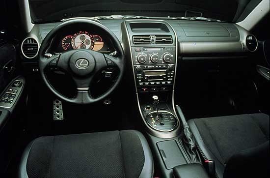 2001 lexus is 300 pictures photos gallery the car connection. Black Bedroom Furniture Sets. Home Design Ideas
