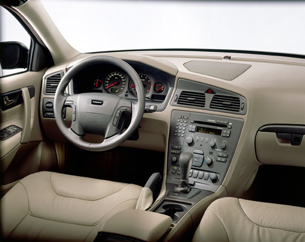 2001 Volvo V70 Pictures/Photos Gallery - The Car Connection