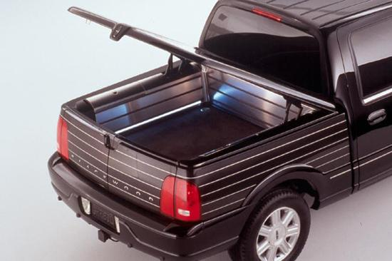 2002 Lincoln Blackwood Bed