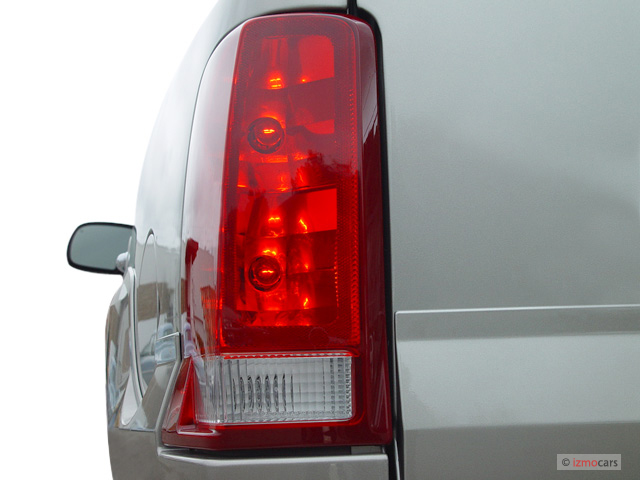 2003 cadillac escalade 4 door 2wd tail light. Black Bedroom Furniture Sets. Home Design Ideas