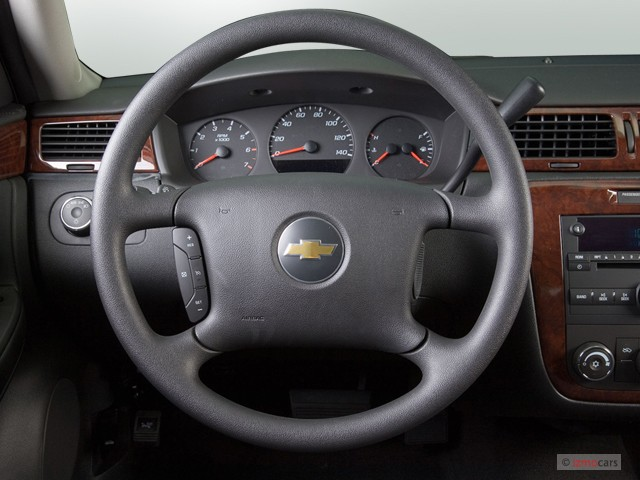 image 2006 chevrolet impala 4 door sedan ls steering. Black Bedroom Furniture Sets. Home Design Ideas