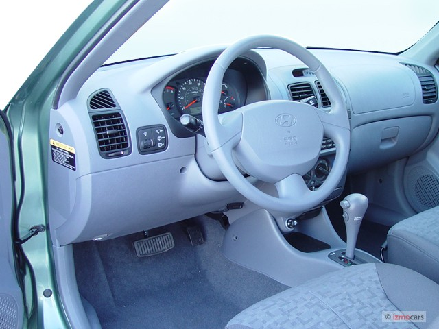 image 2005 hyundai accent 3dr hb coupe gt auto dashboard. Black Bedroom Furniture Sets. Home Design Ideas