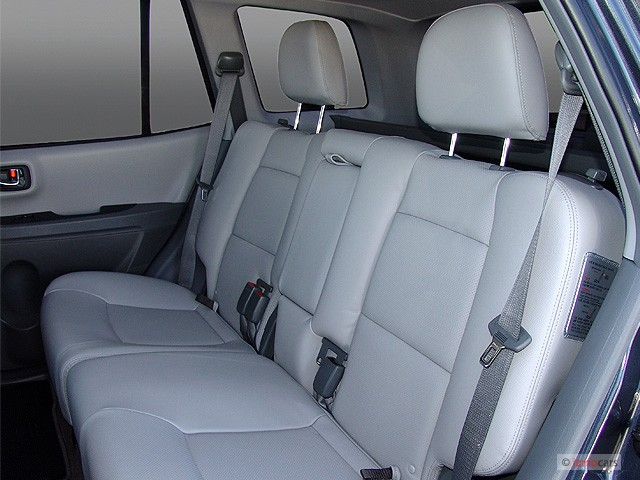 hyundai santa fe xl 2013 from 29 999. Black Bedroom Furniture Sets. Home Design Ideas