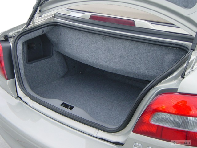 Image 2003 Volvo C70 2 Door Convertible 2 4l Turbo Trunk