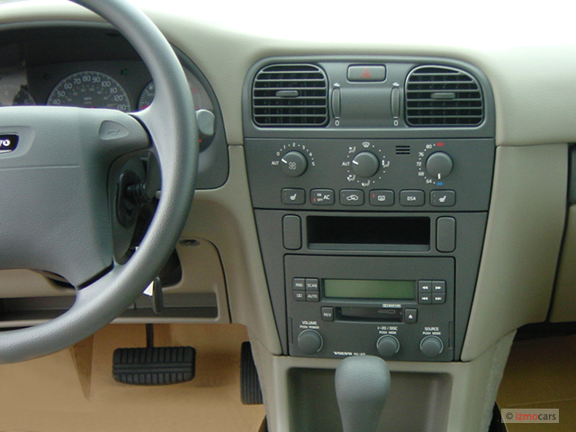 Image 2003 Volvo S40 4 Door Sedan 1 9l Dashboard Size