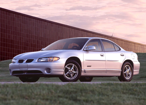 2003 pontiac grand prix pictures photos gallery. Black Bedroom Furniture Sets. Home Design Ideas