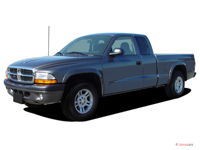 Angular Front Exterior View - 2004 Dodge Dakota 2-door Club Cab 131