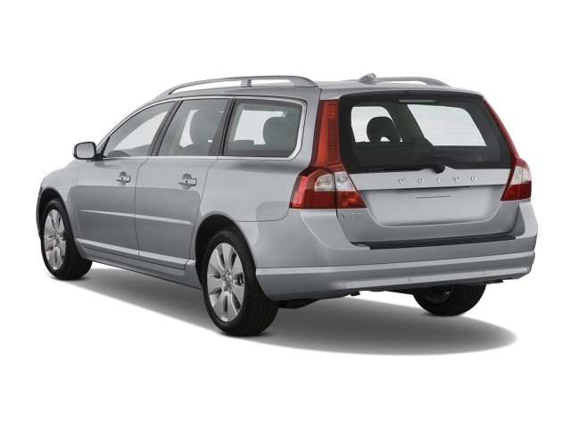 2008 Volvo V70 4-door Wagon Angular Rear Exterior View #9489489