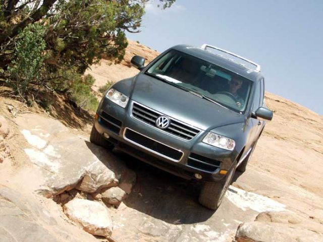 2004 volkswagen touareg vw page 1 review the car. Black Bedroom Furniture Sets. Home Design Ideas