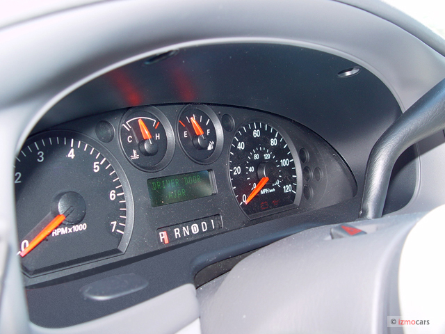 Image 2005 Ford Taurus 4 Door Sedan Se Instrument Cluster