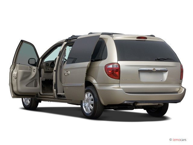 2006 chrysler town country lwb pictures photos gallery the car connection. Black Bedroom Furniture Sets. Home Design Ideas