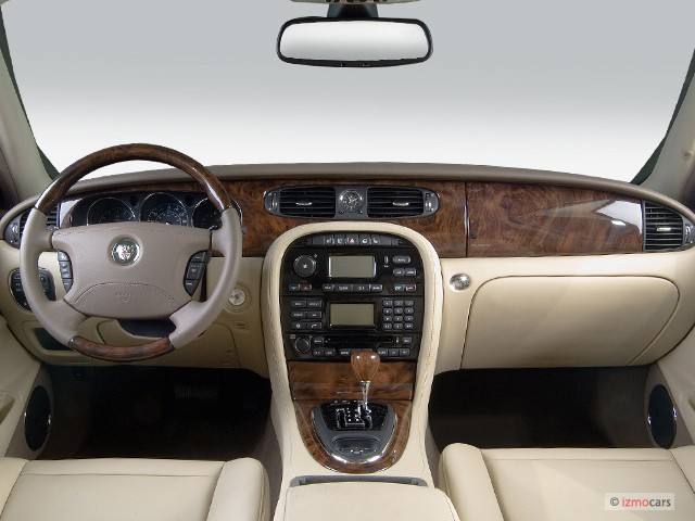 2006 Jaguar XJ 4-door Sedan XJ8 Dashboard #7582320