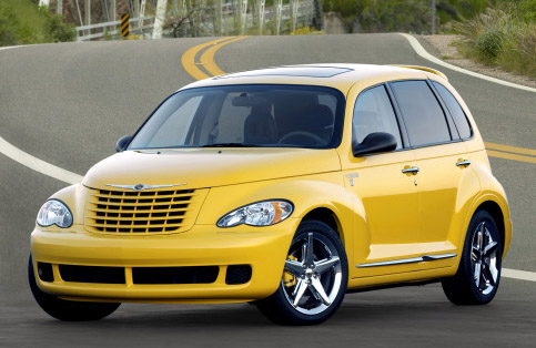 chrysler pt cruiser gets a reprieve the popular retro. Black Bedroom Furniture Sets. Home Design Ideas
