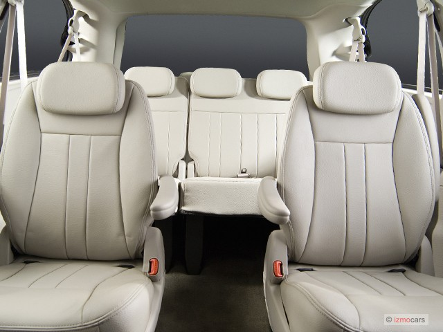 2007 chrysler town country lwb pictures photos gallery motorauthority. Black Bedroom Furniture Sets. Home Design Ideas