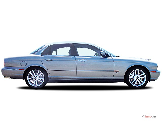 2007 Jaguar XJ 4-door Sedan XJR Side Exterior View #9103167