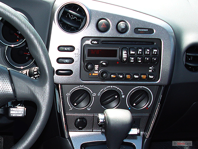 Image 2007 Pontiac Vibe 4 Door Hb Instrument Panel Size 640 X 480 Type Gif Posted On