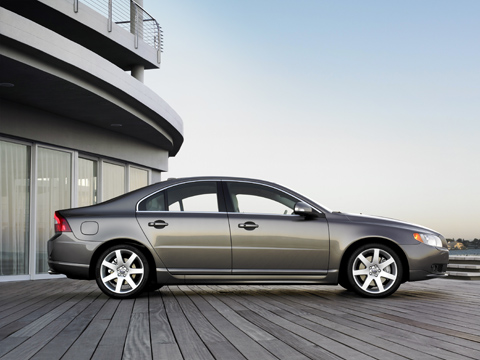 http://images.thecarconnection.com/med/2007_volvo_s80_100010206_m.jpg