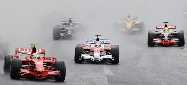 Last minute downpour caused chaos on closing laps of 2008 Brazilian GP