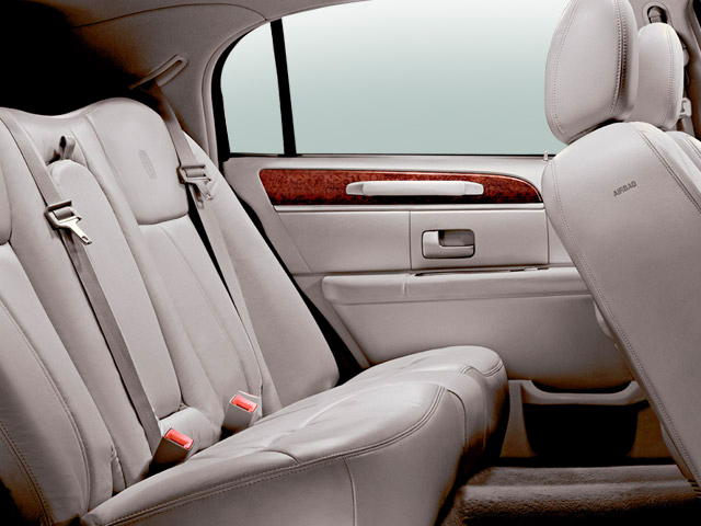 Lincoln Town Car Door Sedan Signature Limited Rear Seats M on 1999 Lincoln Ls Reviews