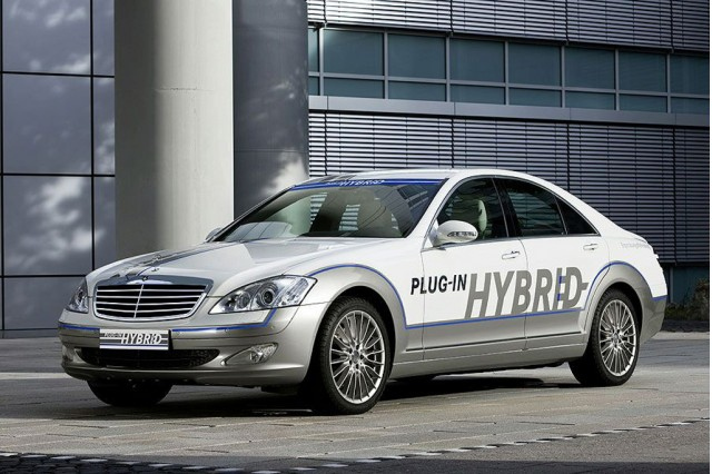 Mercedes Benz To Launch Pricey Plug In Hybrid S Class In 2012
