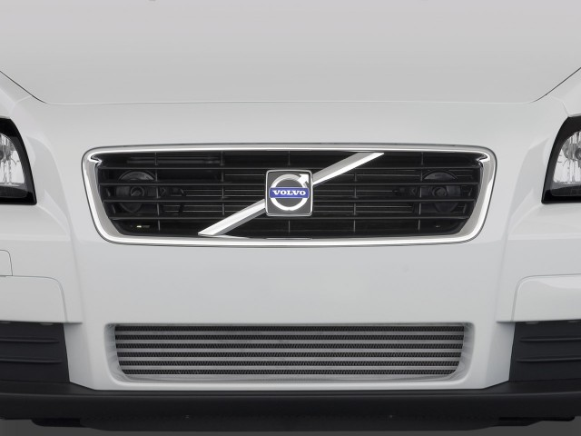 2009 Volvo C30 2-door Coupe Man R-Design Grille #9262587