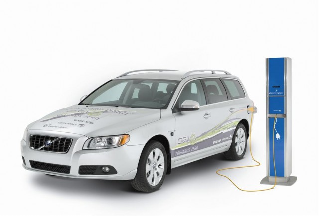 2009 Volvo V70 Plug-in Hybrid Demonstrator #7959204