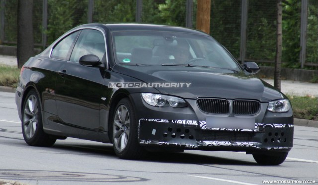 2010 bmw 3 series facelift spy shots. Black Bedroom Furniture Sets. Home Design Ideas