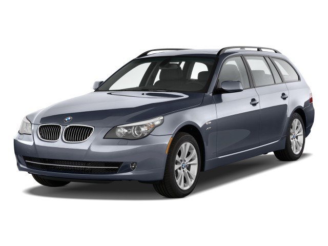Angular Front Exterior View - 2010 BMW 5-Series 4-door Sports Wagon 535i xDrive AWD