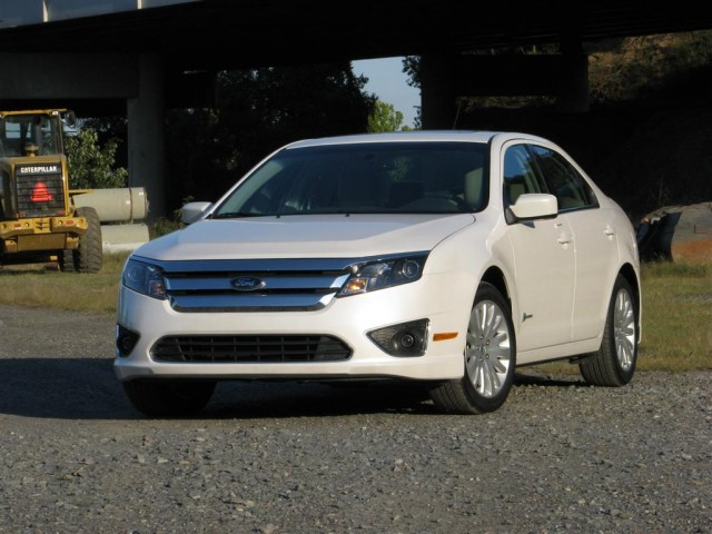 review 2010 ford fusion sport vs hybrid gallery 1 motorauthority. Black Bedroom Furniture Sets. Home Design Ideas