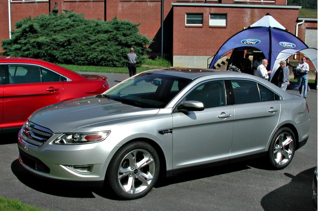 Live From Ashville 2010 Ford Taurus Sho Photo Gallery