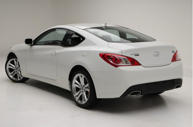 2010 hyundai genesis coupe 2 0t r spec preview. Black Bedroom Furniture Sets. Home Design Ideas