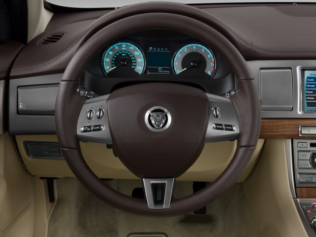 2010 Jaguar XF 4-door Sedan Luxury Steering Wheel #7287492