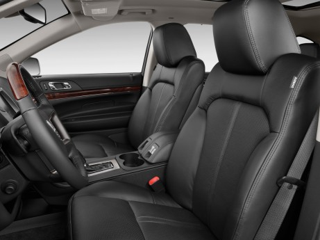 2010 Lincoln MKT 4-door Wagon 3.7L FWD Front Seats