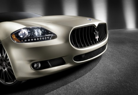 https://images.thecarconnection.com/med/2010-maserati-quattroporte-sport-gt-s-awards-edition_100349902_m.jpg