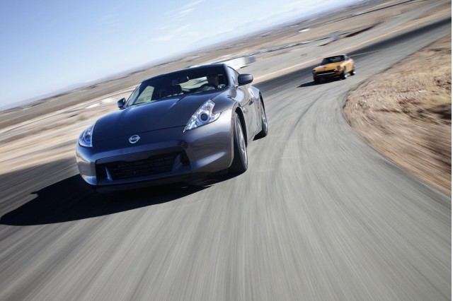 2010-nissan-370z-40th-anniversary-edition_100306061_s.jpg