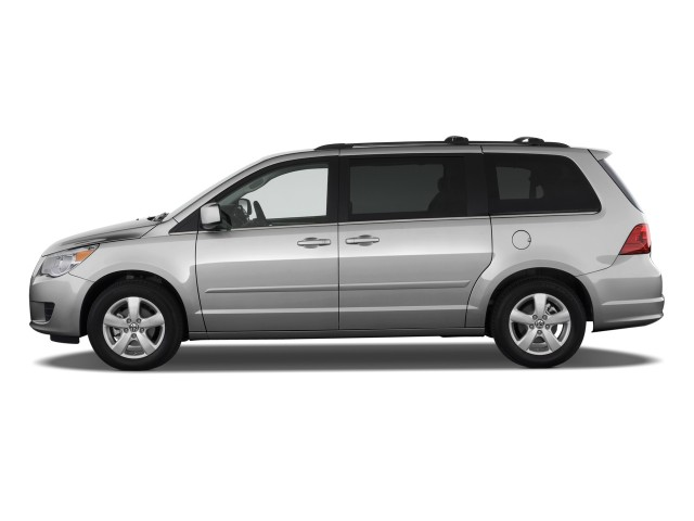Side Exterior View - 2010 Volkswagen Routan 4-door Wagon SE