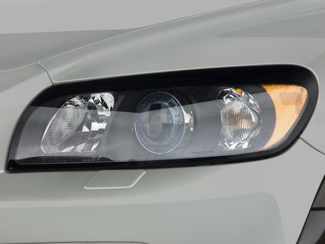2010 Volvo C30 2-door Coupe Man R-Design Headlight #7425455
