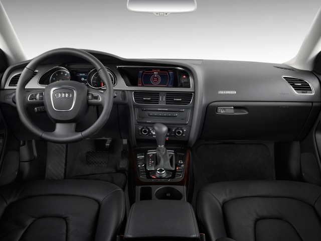 2011-audi-a5-2-door-coupe-auto-quattro-premium-plus-dashboard_100320803_s.jpg