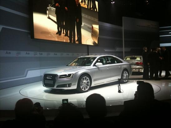 http://images.thecarconnection.com/med/2011-audi-a8-live-shots_100233935_m.jpg