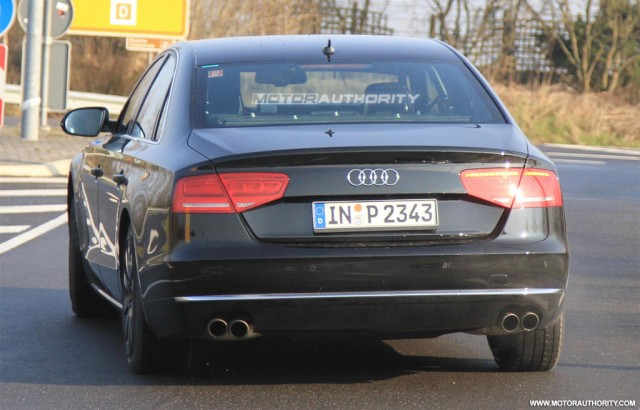 http://images.thecarconnection.com/med/2011-audi-s8-spy-shots_100310288_m.jpg