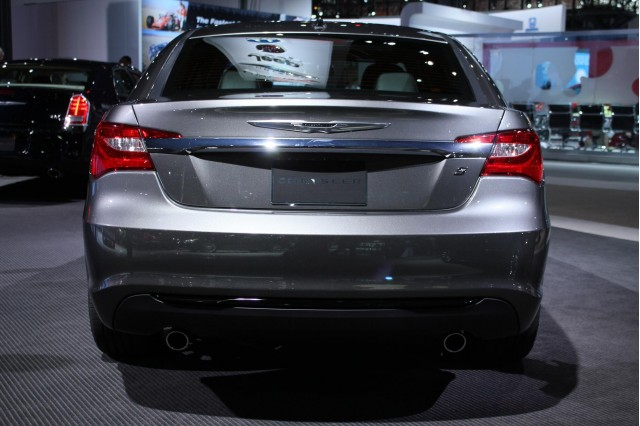 2011 chrysler 200s sedan and convertible ny auto show. Black Bedroom Furniture Sets. Home Design Ideas