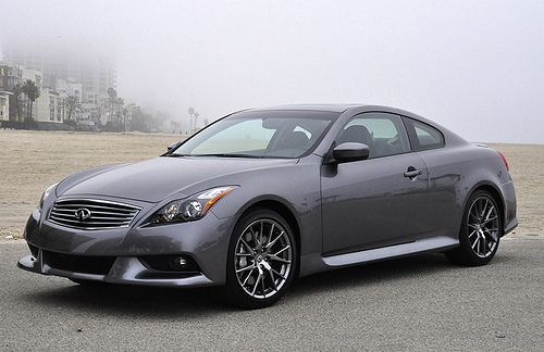 2011 infiniti ipl g coupe beauty meets brawn. Black Bedroom Furniture Sets. Home Design Ideas