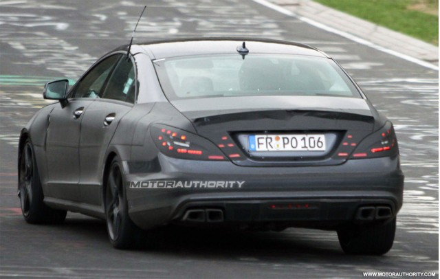 Spy shots 2011 mercedes benz cls63 amg gallery 1 for 2011 mercedes benz cls63 amg
