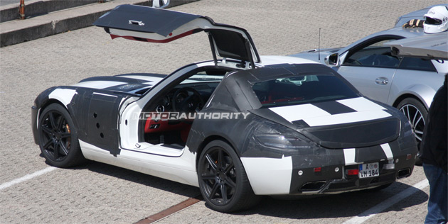 Mercedes Benz has confirmed the SLS AMG Gullwing will pack a 6.2L V8 with 571hp (420kW) and 479lb-ft (650Nm) of torque